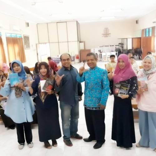 Inilah Gerakan Literasi di SMAN 15 Surabaya